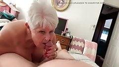 Lady sucks good!