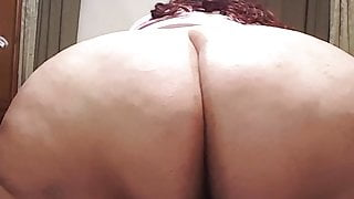 Hot SSBBW spread ass and shows belly