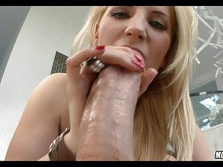 Perfect pussy pump Blonde gets her perfect asshole pumped