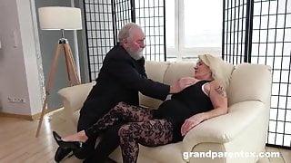granny sucking the tasty grandpa fucking the milf