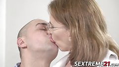Kinky mature lady gives wet blowjob and fucks younger man