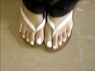 Jennifer white footjob Milf jennifer white toenails