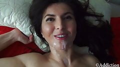 Gorgeous Stepmom Takes Cumload on her Pretty Face