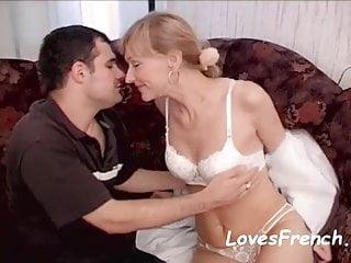Online sex match site Trentenaire aux gros seins veut un bon match de sexe