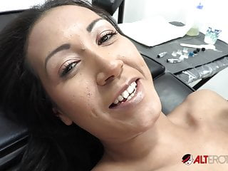 Open septum pussy - Sindy ink pussy wide open for tattoo