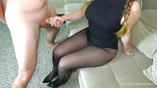Teen Stepsister gives Handjob in pantyhose