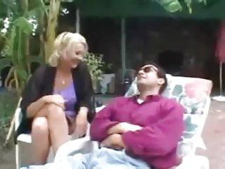 Frau sucht mann bdsm Oma sucht sich einen jungen mann