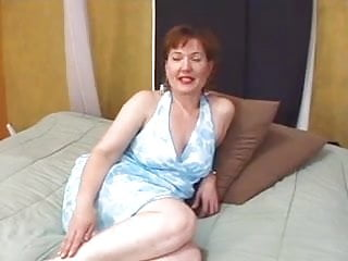 Mature pretty cunt Mom with pretty face cunt with big labias