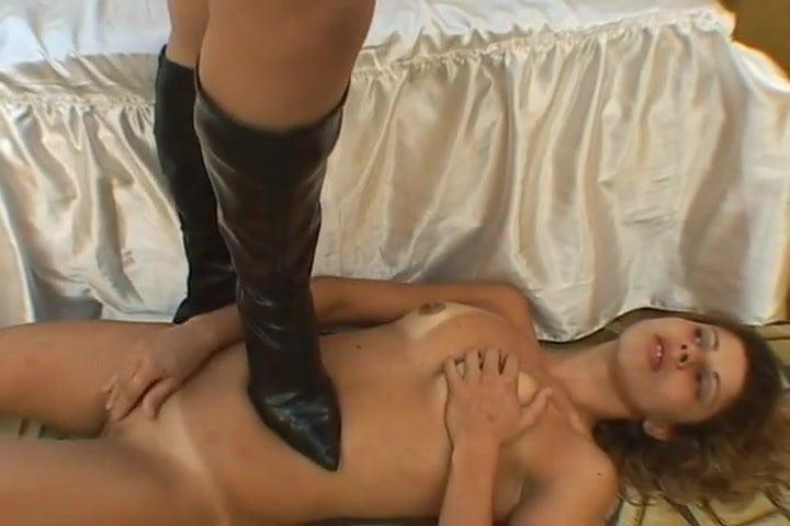 Lesbian Pussy Licking Dildo