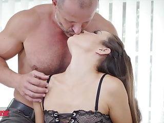 Falls sperm creapie Anal loving cindy shine gets ass creapied - doghouse