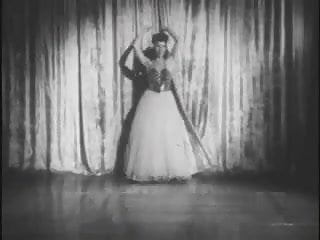 Midget horror films - Vintage stripper film - sandra mighty midget