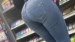 Walmart worker nice ass