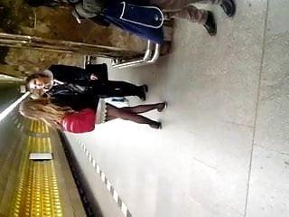 U-tubes sexy videos Sexy legs im metro sexy beine in der u-bahn