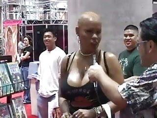 Black ebony sex clps Ebony sex scene as they shake their asses n972