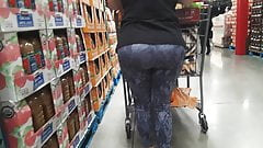 plump ass blond PAWG granny in tights