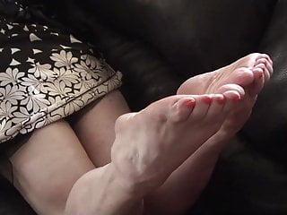 Nude calves thighd hips - Goddess calves n feet