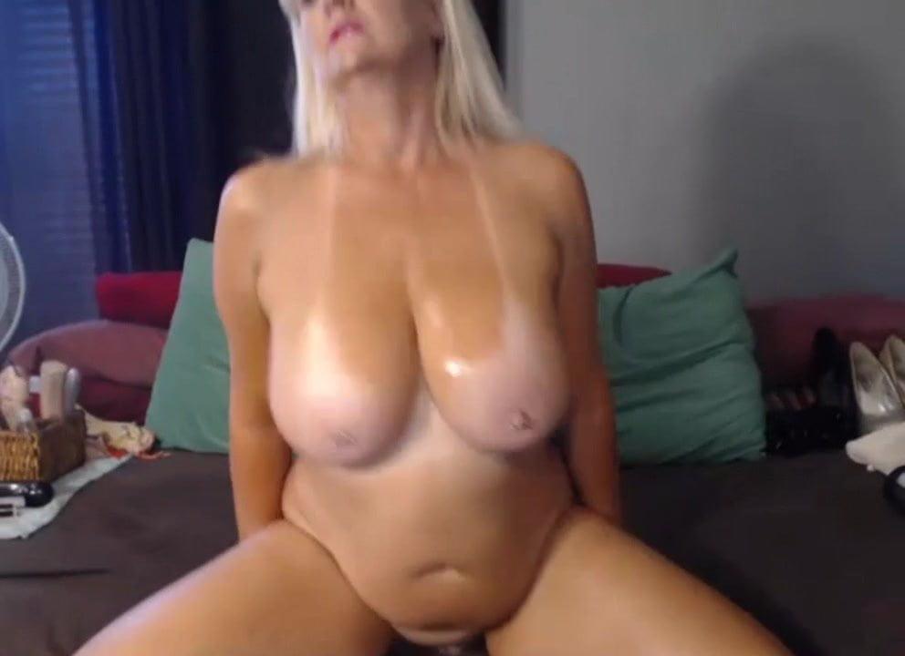 Hot single mom show hot webcam show cute webcam donna show live webcam girl dance hd