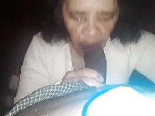 Toothless porn Amateur granny toothless loves bbc