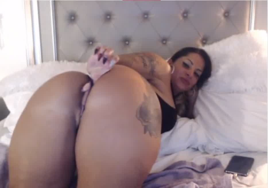 Watch spice and dildo