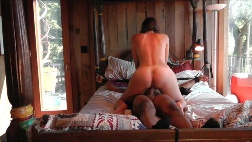 She Makes Him Cum Inside Her