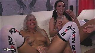Girls just wanna have fun (Lesbian Threesome)