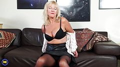 Old but still hot n hungry mature mother
