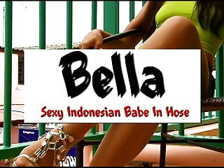 Sexy toes in hose Sexy indonesian babe in hose