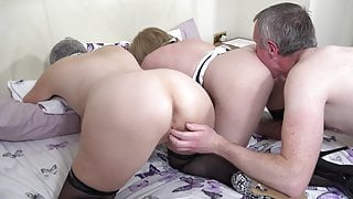 Lady Savana the window cleaner and the maid