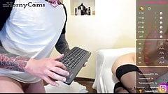 Schau zu, wie Live-Paare auf xhornycams.com chatten!