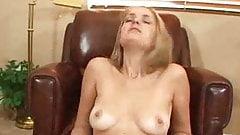 Nasty MILF Gets Her Twat Creamed