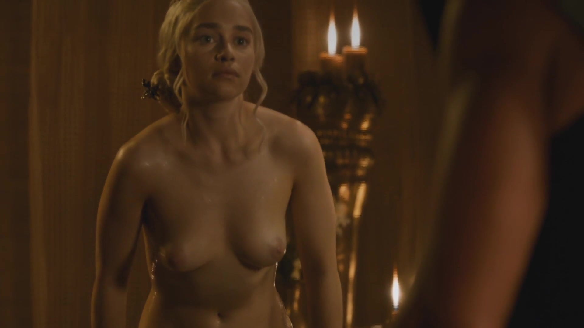 Emilia Ares Nude
