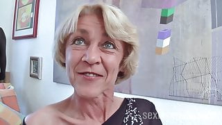 Brunette Granny Rita with willing wet cunt