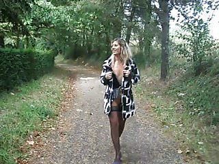 Lisa parks porn - Lisa flashing at the public park