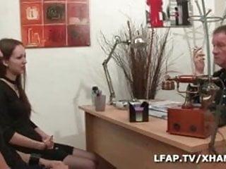 Vidio de porno - Sodomisee lors de son premier castin porno