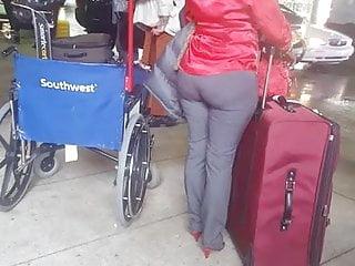 Porn haitian video - Candid haitian booty at airport 1