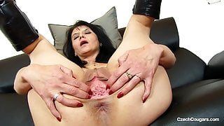 Mature Gracia gapes her beautiful pussy showing episiotomy