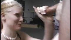 Дрочка - лед (неохотный камшот на лицо) - ассенизатор