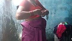 Desi Dorf-Tante erschossen, Teil 1 voll hd badend