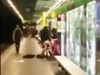 Amateur de parejas Pareja follando en el metro de barcelona 25.04.2016