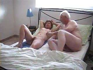 Old adult home video - Grandparents in doggy style home video