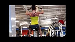 sexy ripped chick working out