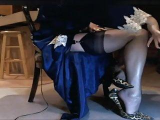 Female hair fetish - Classy mature females in sheer nylons