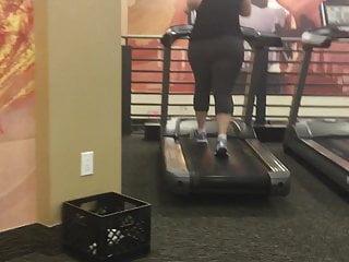 Bikini woman on treadmill video Phat booty asian with jiggly ass on treadmill