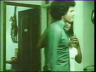 Porn virgini Gaelle, malou... et virginie - 1975