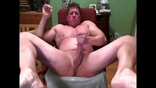 Beefy daddy cum