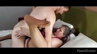 mature hot mom likes to fuck young guys