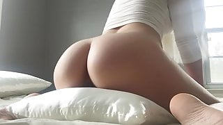 PERFECT BODY TEEN HUMPS PILLOW