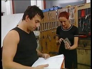 Milf mechanic Susana de garcia - with mechanical