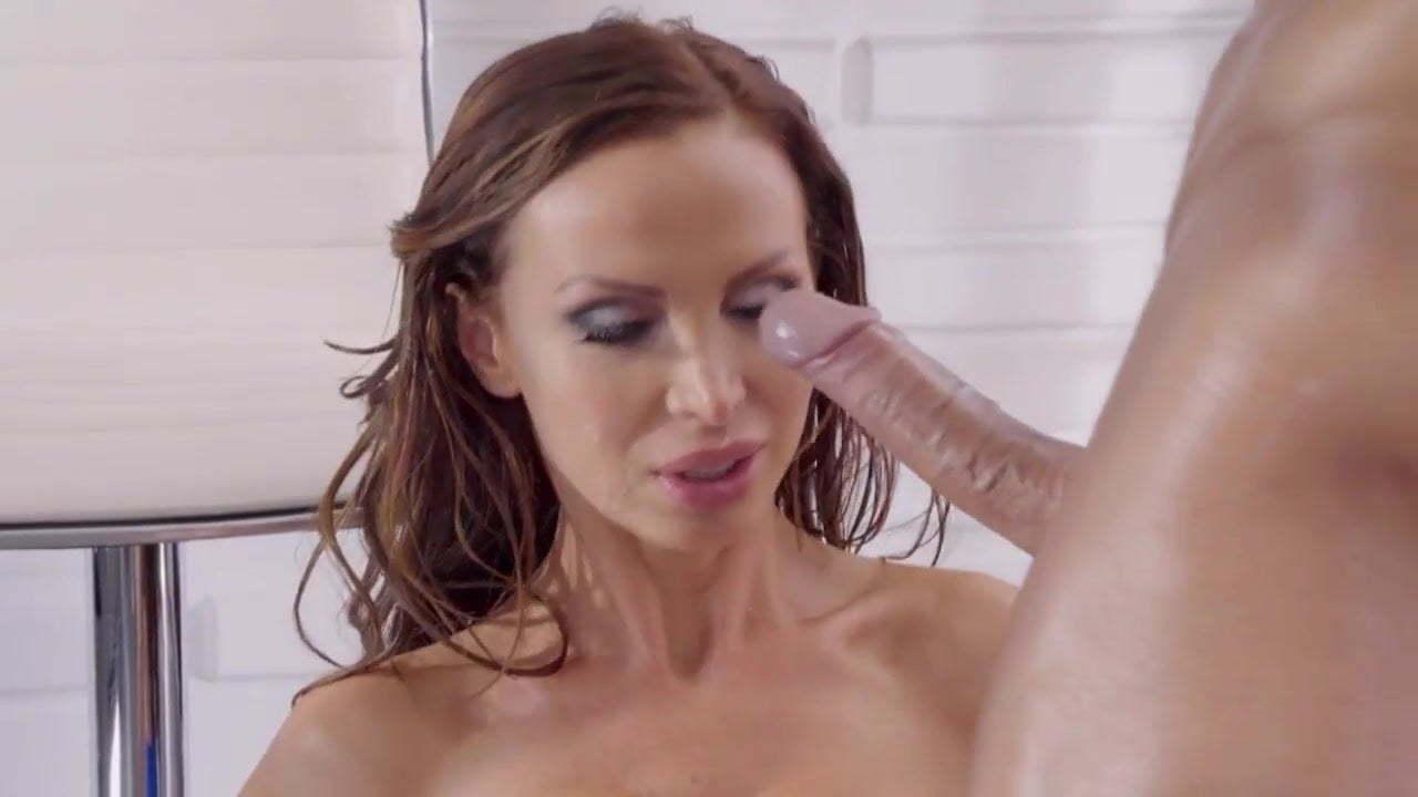 Cumshot Gesichtsbehandlung Nikki Benz Nikki Benz