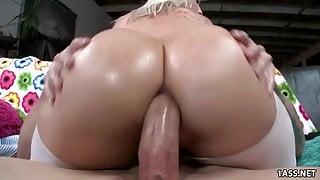 Big ass Kimmy Olsen Prefers Anal With Huge Cock
